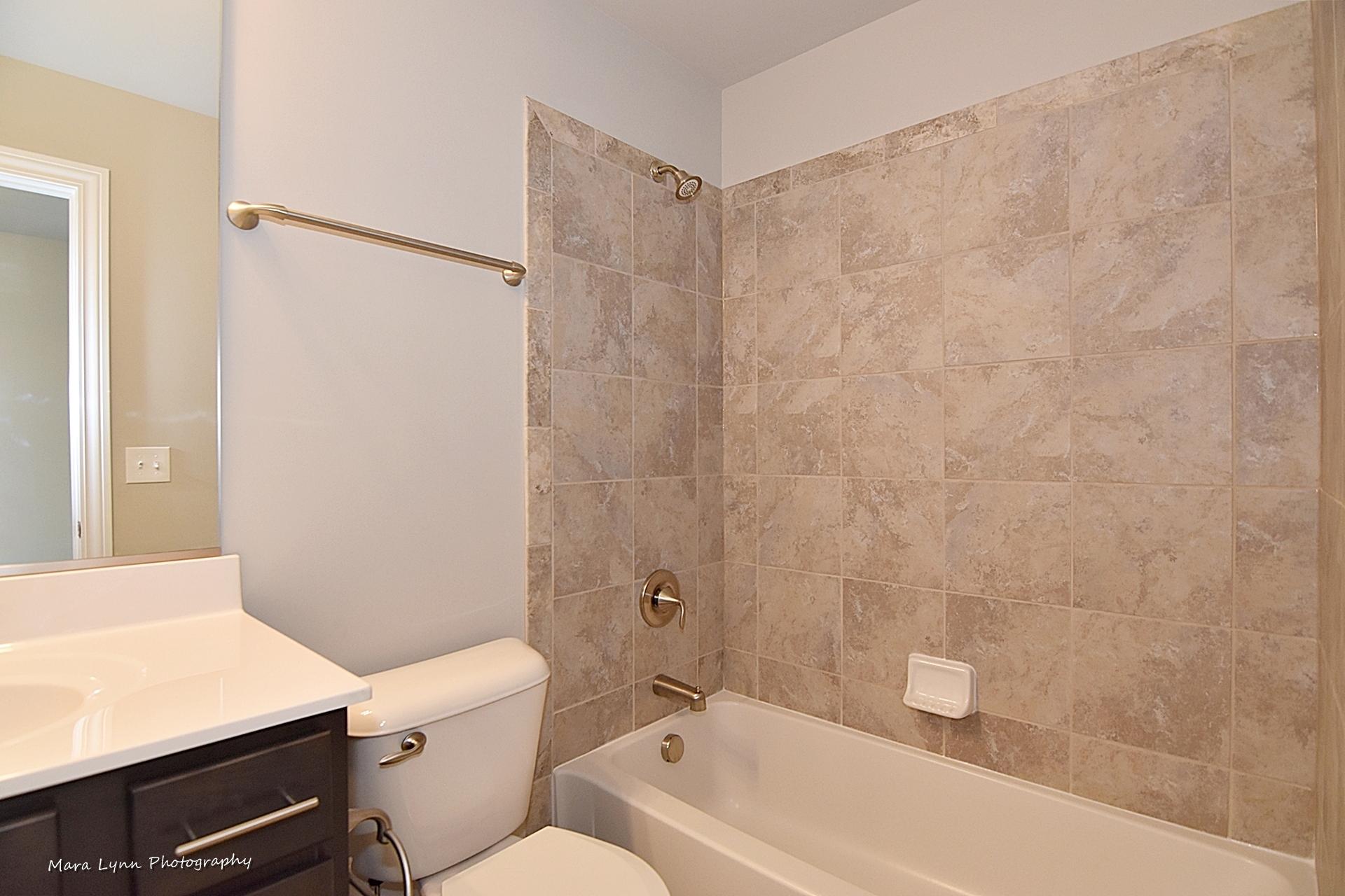 Norton Lake Donovan Bathroom
