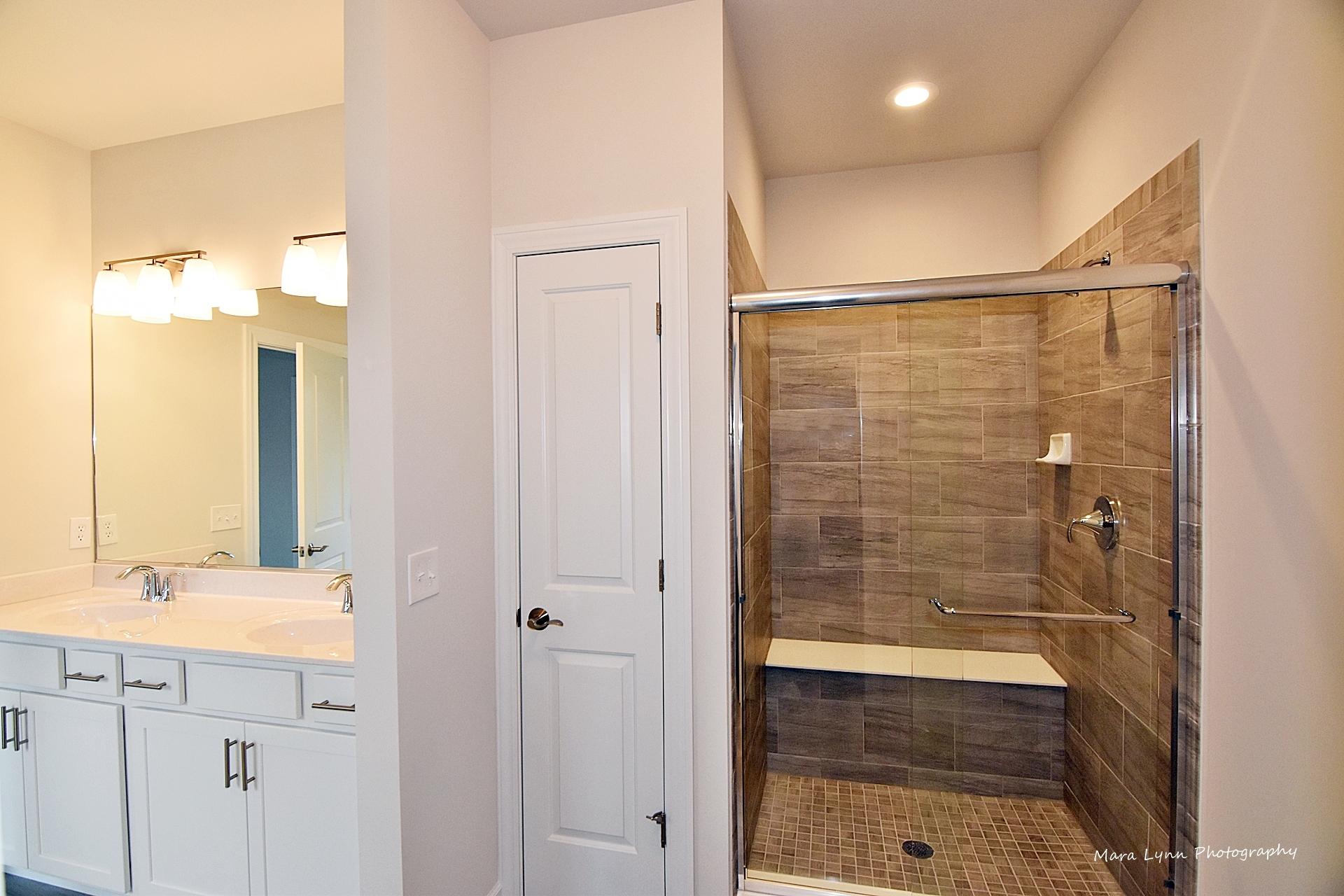Norton Lake Donovan Master Bathroom