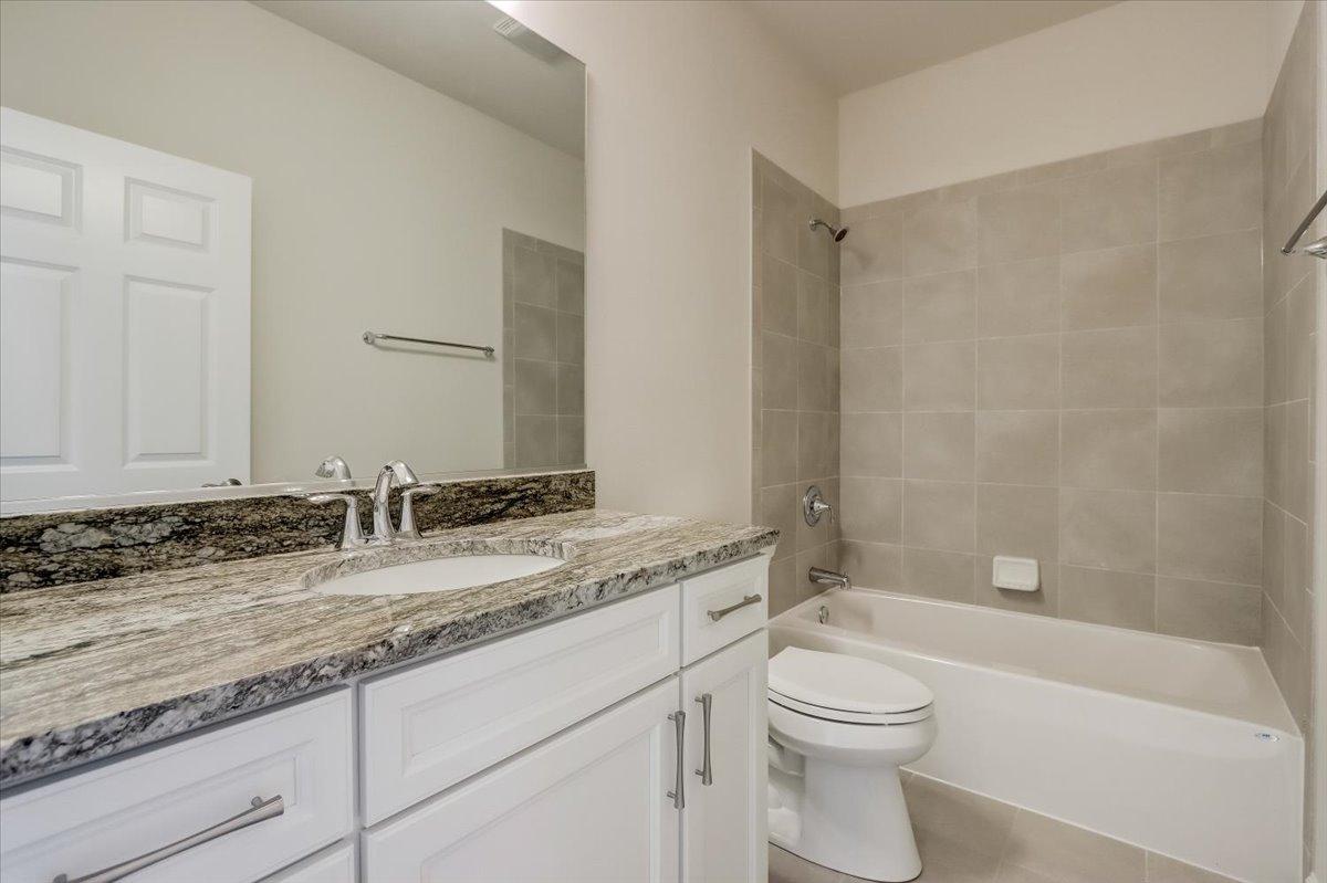 Stone Ridge Southfork Ranch Hall Bathroom